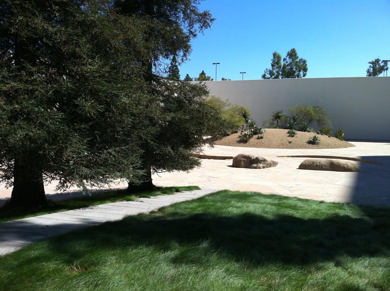 365 Things To Do In Costa Mesa Noguchi Sculpture Garden