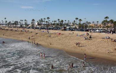 things to do in costa mesa balboa beach
